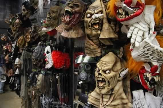 halloween-costumes-for-adults-and-kids-54