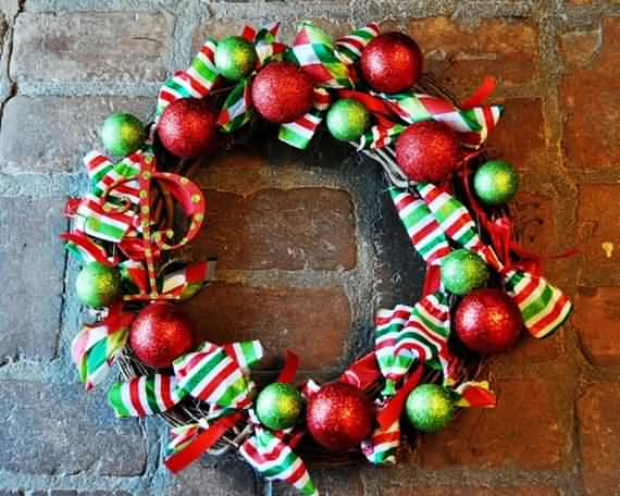 awesome-outdoor-christmas-wreaths-ideas-10