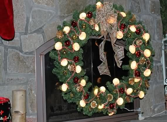 awesome-outdoor-christmas-wreaths-ideas-12