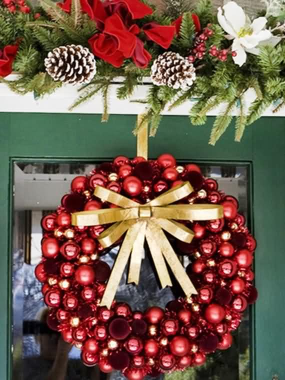 awesome-outdoor-christmas-wreaths-ideas-13