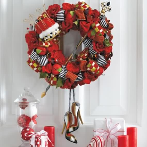 awesome-outdoor-christmas-wreaths-ideas-18