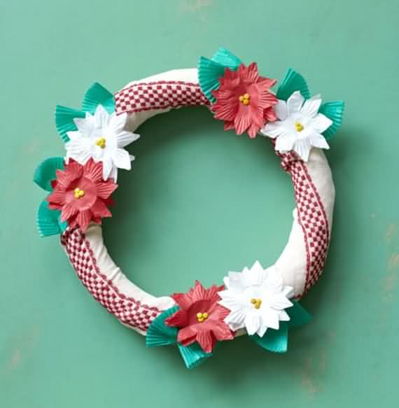 awesome-outdoor-christmas-wreaths-ideas-23