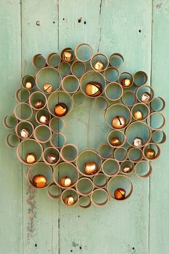 awesome-outdoor-christmas-wreaths-ideas-26