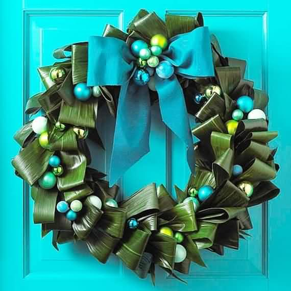 awesome-outdoor-christmas-wreaths-ideas-3