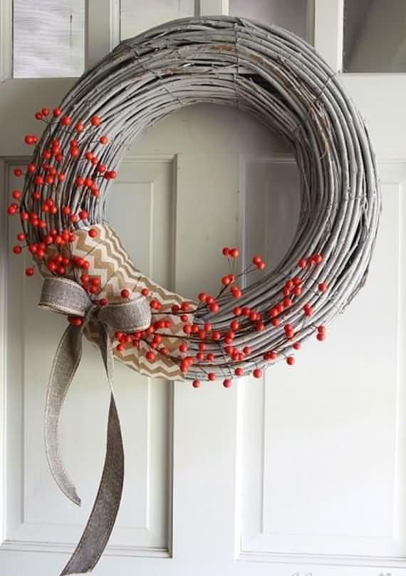 awesome-outdoor-christmas-wreaths-ideas-30