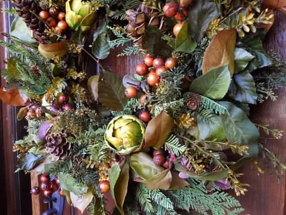 awesome-outdoor-christmas-wreaths-ideas-32