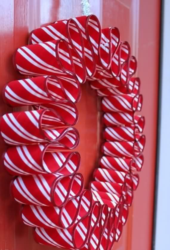 awesome-outdoor-christmas-wreaths-ideas-34