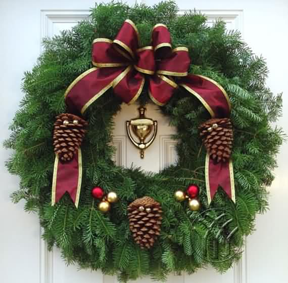 awesome-outdoor-christmas-wreaths-ideas-37