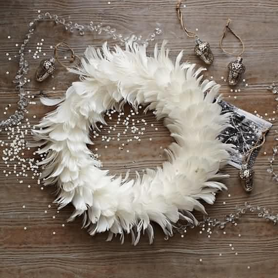 awesome-outdoor-christmas-wreaths-ideas-43