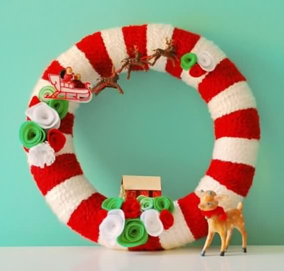 awesome-outdoor-christmas-wreaths-ideas-45