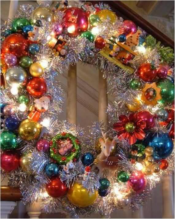 awesome-outdoor-christmas-wreaths-ideas-49