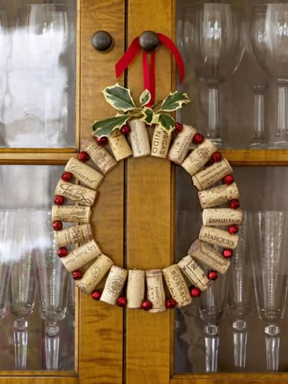 awesome-outdoor-christmas-wreaths-ideas-54