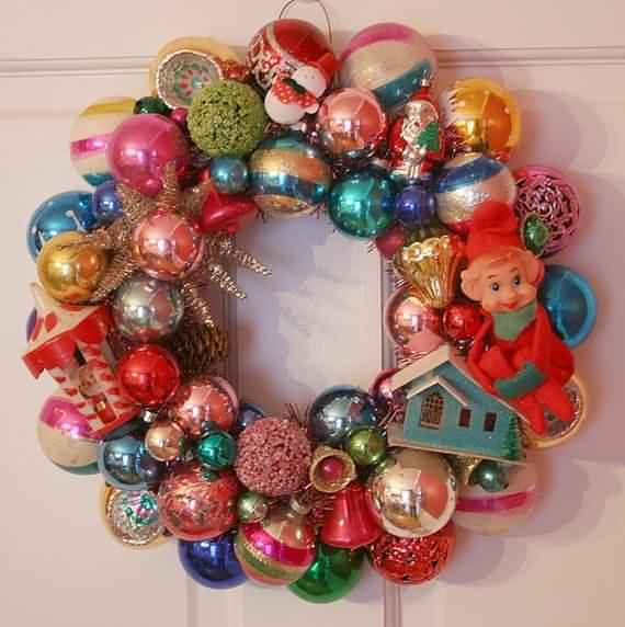 awesome-outdoor-christmas-wreaths-ideas-55