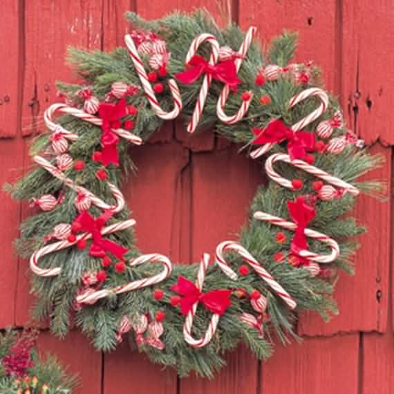 awesome-outdoor-christmas-wreaths-ideas-8