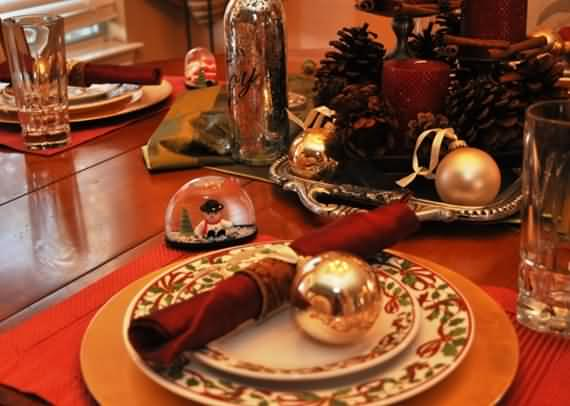 christmas-table-setting-and-centerpieces-ideas-18
