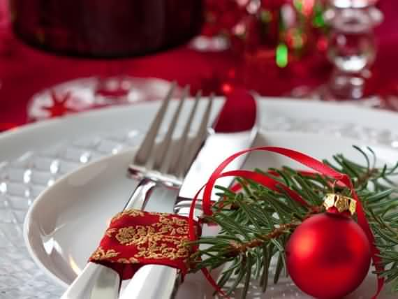 christmas-table-setting-and-centerpieces-ideas-30