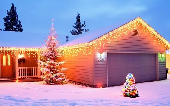 Decorating Your Garage For Christmas , Decorating Your Garage , Christmas , Garage