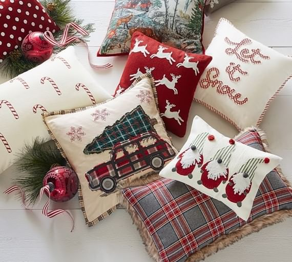 Tips For Choosing Christmas Pillow Covers, Choosing Christmas Pillow Covers, Christmas Pillow Covers , Christmas , Pillow Covers , Christmas Pillow